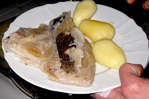 På Island er det mange som spiser skate på lilejulaften, tollesmessdagen